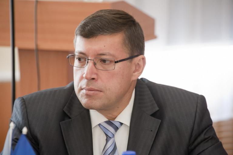 Д.М. Кришталь